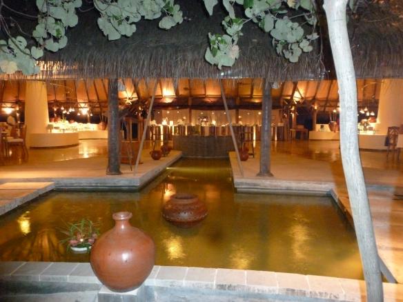 Um dos restaurantes do Resort