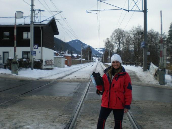 Kitzbuhel Hahnenkammbahn Train Station - 5h até Viena