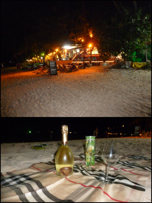 Barzinho na praia e o nosso pic nic. Bar on the beach and our pic nic.