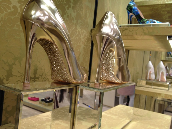 What about this incredible Glitter Sole from Miu Miu!!! E essa sola de Gliter maravilhosa da Miu Miu!!!